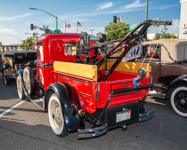 Early Ford tow truck
